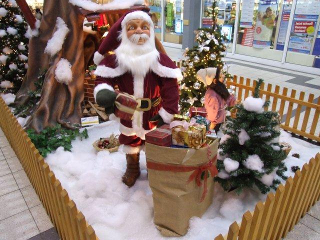 der-weihnachtsmann-besucht-das-zwergenland02