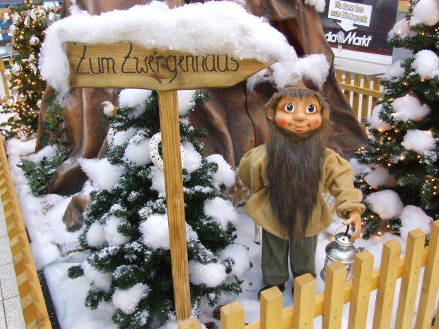der-weihnachtsmann-besucht-das-zwergenland03