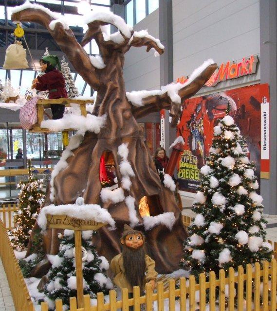der-weihnachtsmann-besucht-das-zwergenland04