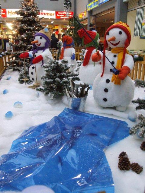 schneemaenner-beim-wintersport05
