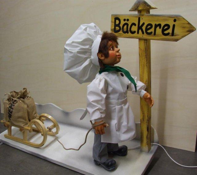 baecker-mit-schlitten-2